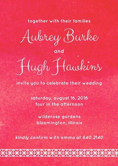 Приглашение на свадьбу с текстурным малиновым фоном и белым ободком